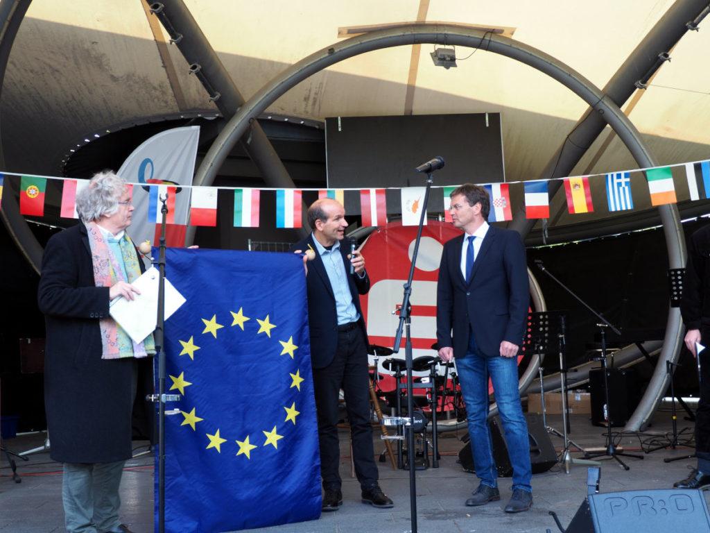 Verleihung des Europabanners an dien biligualen Zweig der Hildegardis-Schule