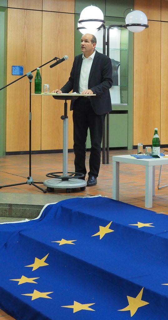 Begrüßung durch Dr. Jürgen Mittag, Co-Vorsitzender der Europa-Union Bochum