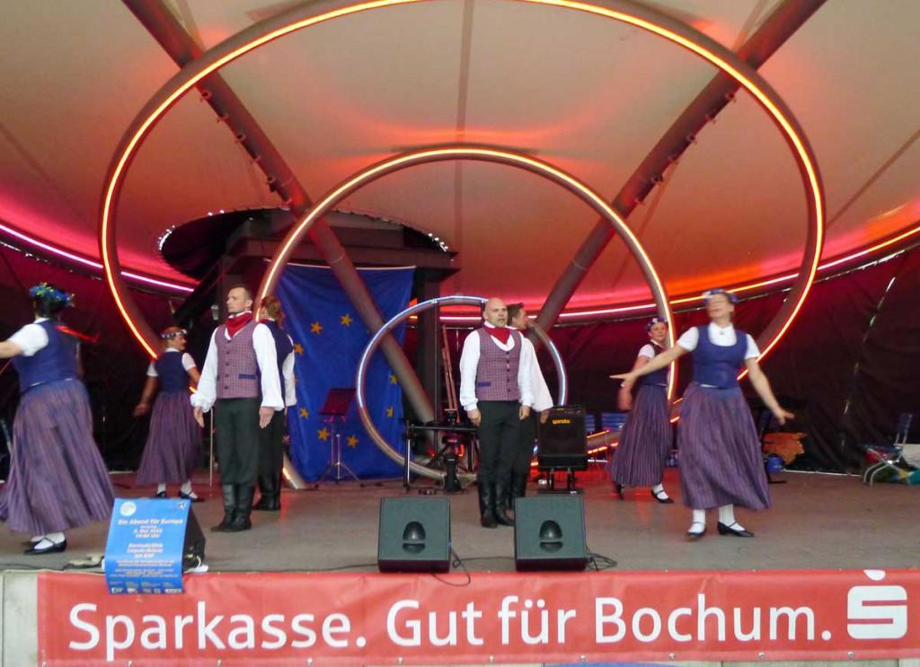 Lettische Tänze der Tanzgruppe MiLaDeKo aus Münster